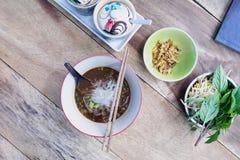 Суп лапшей с едой мяса тайской стоковое изображение rf