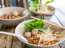 Суп лапши Tomyam тайского стиля пряный Стоковые Изображения RF