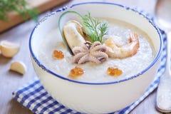 Суп морепродуктов сметанообразный стоковое фото