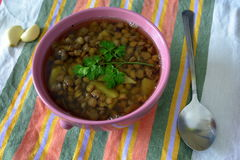 суп середины чечевицы восточной еды ливанский стоковое изображение rf
