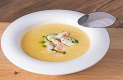 Суп сыра с копченым беконом стоковое изображение rf