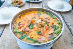Суп Тома Yum, пряная тайская еда стоковые фотографии rf