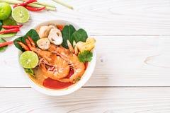 Суп Тома Yum Goong пряный кислый стоковое фото