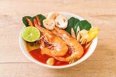 Суп Тома Yum Goong пряный кислый стоковое изображение rf