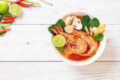 Суп Тома Yum Goong пряный кислый стоковое фото rf