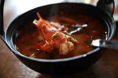 Суп Том yum, Том yum с креветкой, Тайской кухней стоковая фотография rf