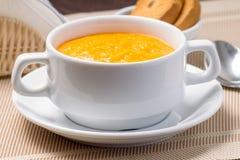 Суп тыквы в белом шаре Стоковая Фотография
