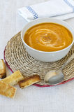 Суп тыквы с гренками. Стоковые Изображения