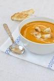 Суп тыквы с гренками. Стоковые Фотографии RF