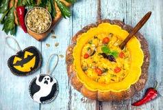 Суп тыквы хеллоуина стоковое фото rf