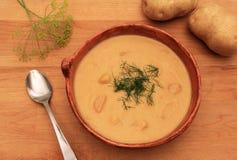 Суп укропа картошки стоковая фотография rf