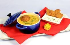 Суп чечевиц cream с falafel Стоковые Изображения RF