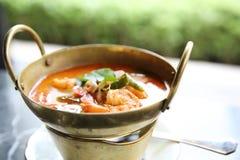 Суп Shimp Tom yum, тайская еда стоковые фотографии rf