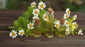 Суть цветков на таблице в красивой бутылке акции видеоматериалы