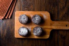 Суфле шоколада с напудренным сахаром Стоковые Изображения RF