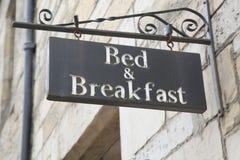 суффольк знака Англии завтрака кровати Стоковые Фотографии RF