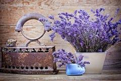 Сухая лаванда и винтажный стиль стоковое фото rf