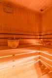 Сухая сауна с деревянной структурой стоковые фотографии rf