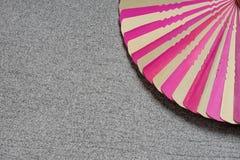 Сухие пинк и коричневый цвет лист ладони Стоковые Изображения RF