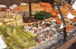 сухой сладостный плодоовощ проданный на рынке Стоковое фото RF