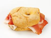 Сух-вылеченный сэндвич с ветчиной стоковая фотография rf