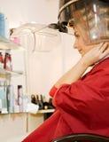 суша волосы ее женщина Стоковые Фото