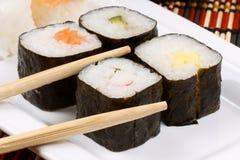 Суши и палочки Стоковое Изображение RF