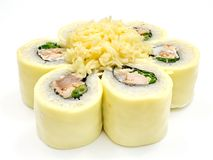 Суши, крен, японские суши морепродуктов, крен на белой предпосылке Стоковые Фото