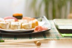 суши плиты еды Стоковая Фотография RF