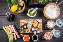 Суши с свежими ингридиентами Стоковое Фото