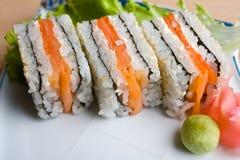 суши тарелки стоковое изображение rf