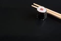 суши черной плиты Стоковые Фотографии RF