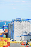 Сушильщик и контейнер зерна порта стоковые изображения rf