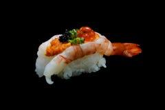 Суши ebi Botan или Spacial наградные суши креветки короля смешали верхней частью ikura и икры на японском рисе Японская еда тради Стоковые Фото