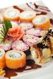 суши maki установленные стоковое фото