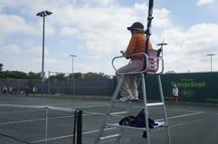 Судья на вышке стула тенниса Стоковое Изображение