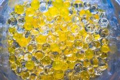 Сфера геля дезодоранта желтая гидро стоковая фотография rf