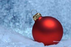 Сфера красного цвета рождества Стоковое Изображение