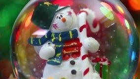 Сфера снеговика на предпосылке Bokeh акции видеоматериалы