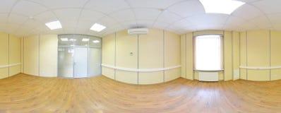 Сферически 360 градусов проекции панорамы, панорамы в внутренней пустой комнате в современных плоских квартирах Стоковые Изображения RF