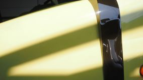 Сферы услуг автомобиля пленки для транспарантной съемки обнажают вне и chan стоковые фотографии rf