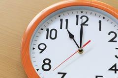 Сфокусируйте время в часах 11 часов для дизайна в вашей шине Стоковые Фото