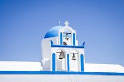Сфокусируйте на голубом куполе и 3 колоколах стоковое изображение