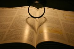 сформированная тень сердца Стоковые Изображения RF