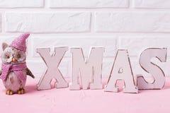 Сформулируйте Xmas сделанный от деревянных писем и декоративного сыча игрушки Стоковое Фото