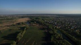 Сфотографируйте от лета Quadrooptera реки стоковая фотография