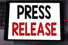 Схематическая воодушевленность титра текста сочинительства руки показывая официальное сообщение для печати Концепция дела для wri Стоковые Изображения