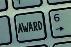 Схематическая награда показа сочинительства руки Приз фото дела showcasing и другая метка опознавания, который дали в честь стоковое фото