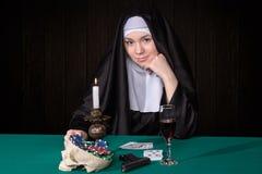 Монашки играют в карты русская семья играет в карты порно