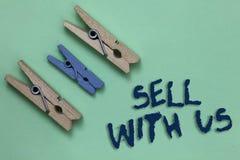 Схематическое надувательство показа сочинительства руки с нами Фото дела showcasing онлайн продавая платформа ища Comm продавца э стоковое изображение rf